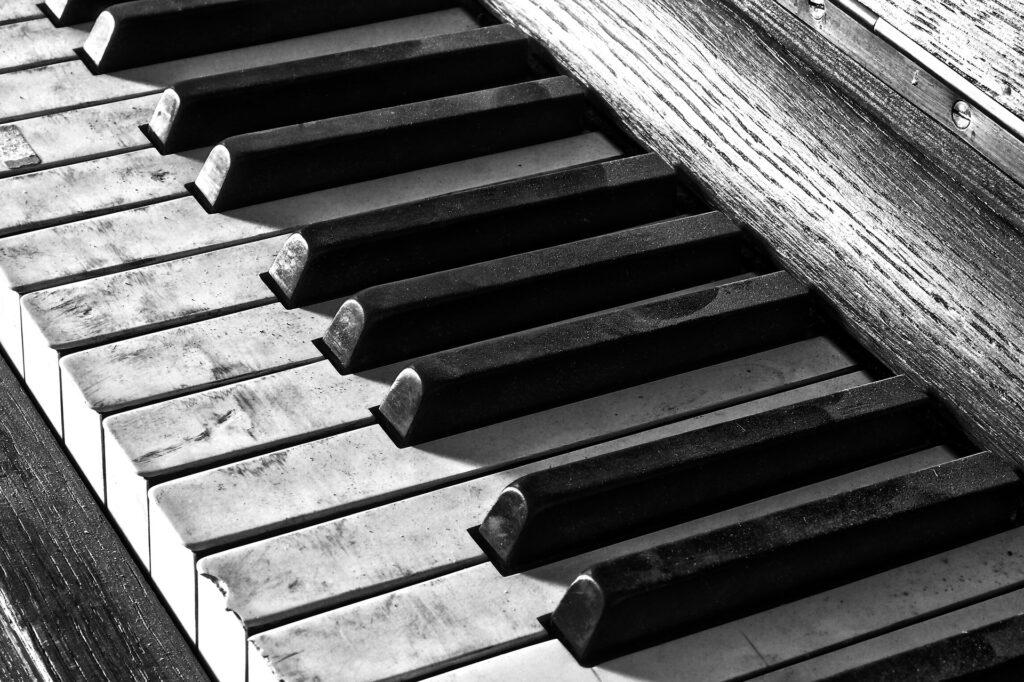 grey dirty piano keys